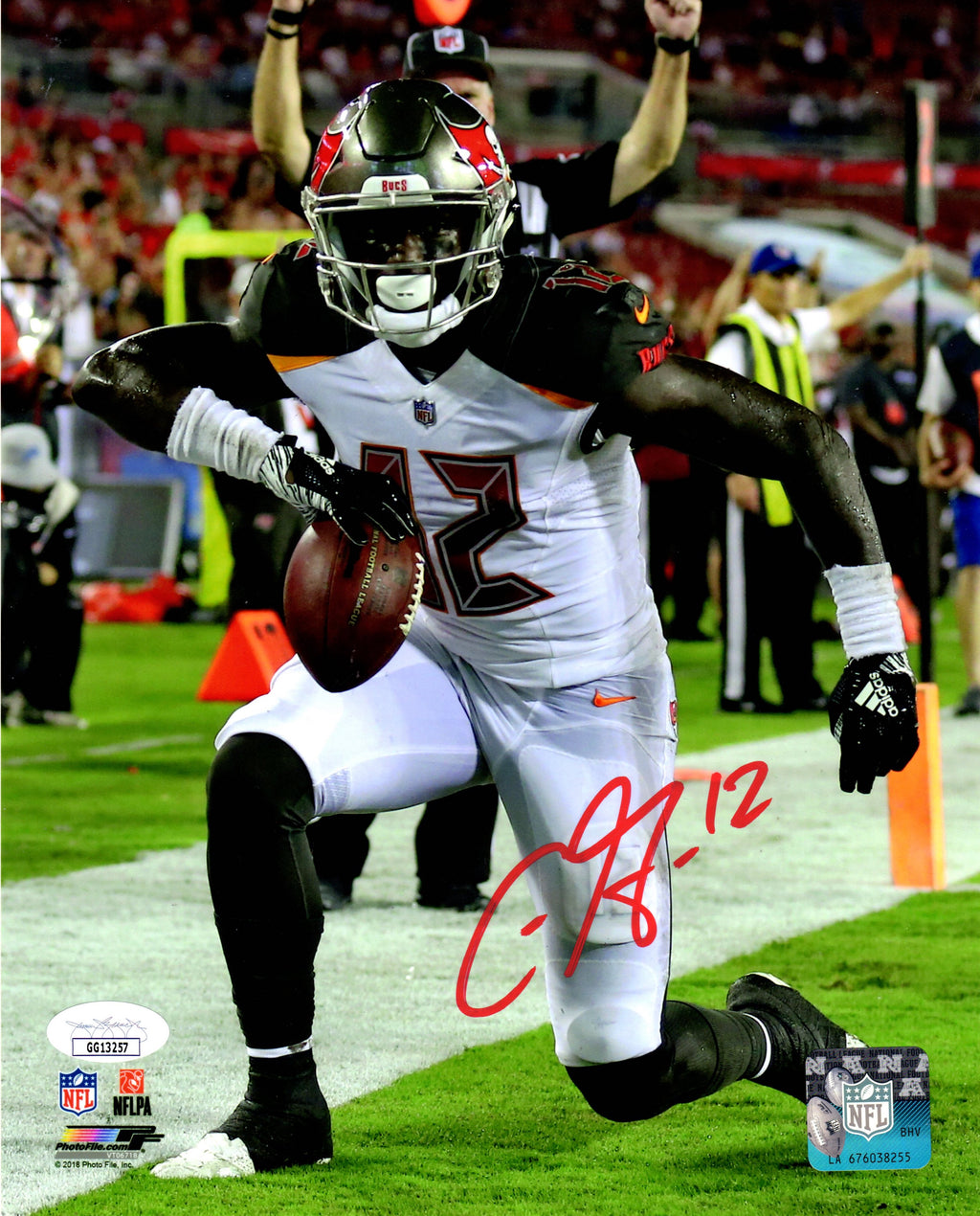 Chris Godwin autographed signed 8x10 photo NFL Tampa Bay Buccaneers JSA COA