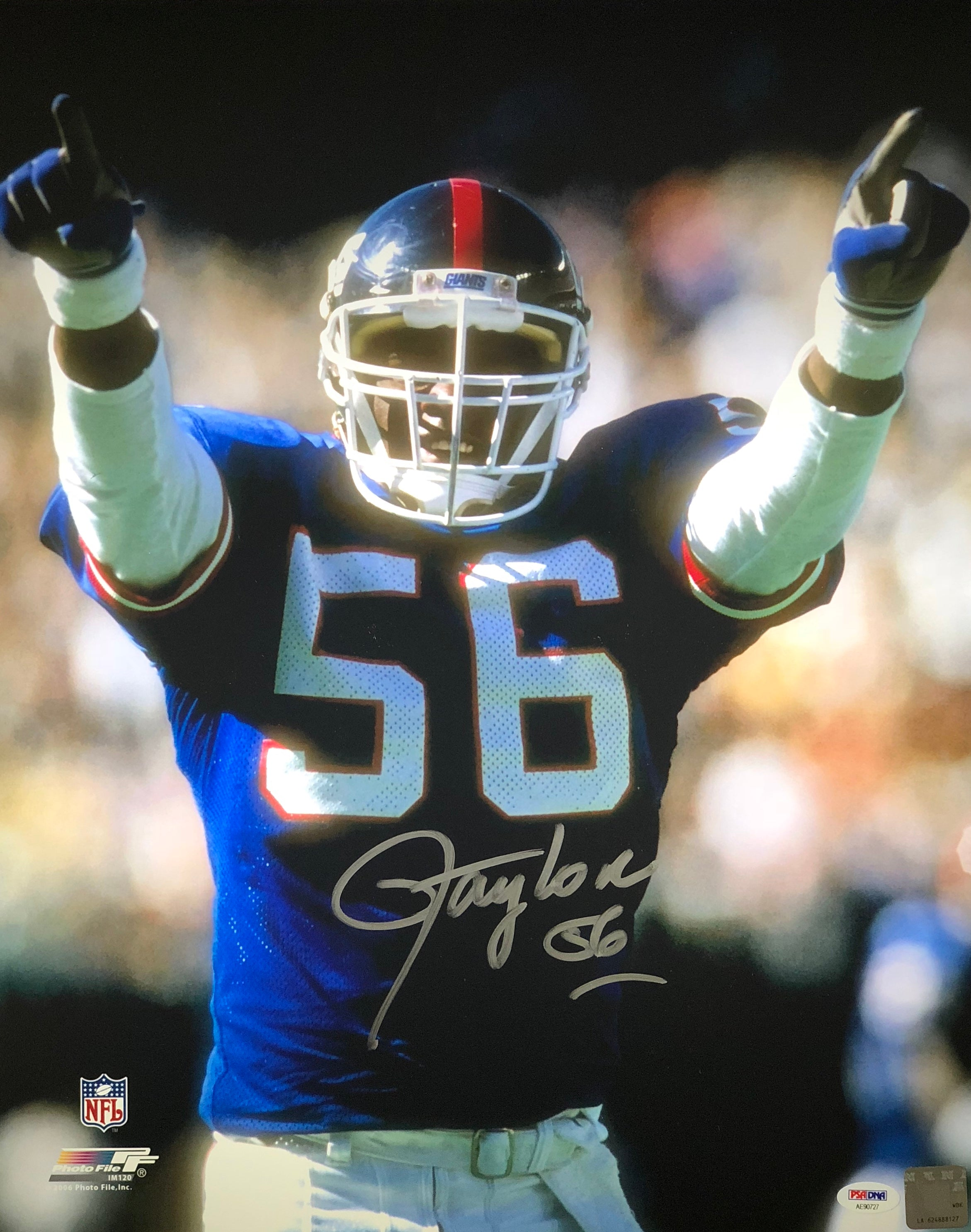 separation shoes e57f8 f4281 Lawrence Taylor autographed 16x20 NFL New York Giants PSA MVP Photo File