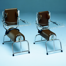 Load image into Gallery viewer, Bailey 1700 Series Adjustable Roll Chairs