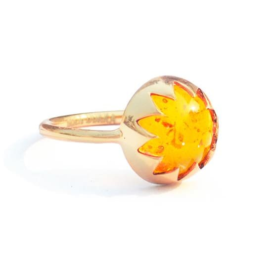CULTURED AMBER CABOCHON STONE RING