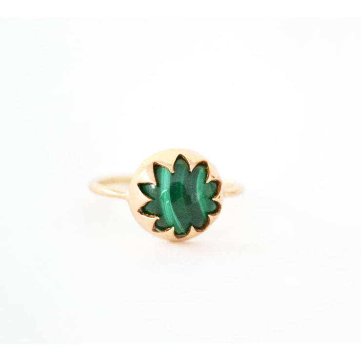 MALACHITE CABOCHON STONE RING