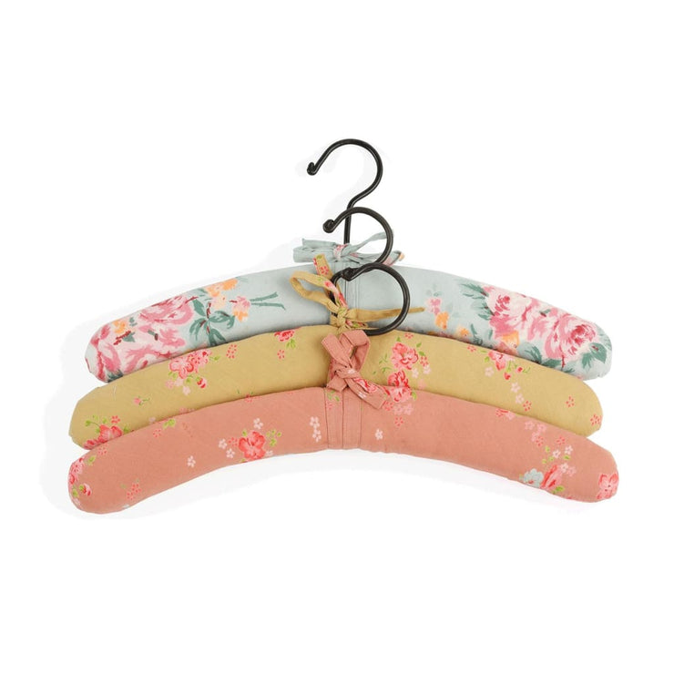 QUILTED HANGERS SET OF THREE