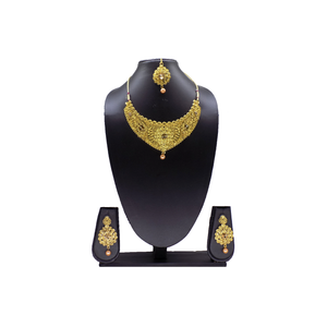 Necklace Set / Jewelry Set with Earring and Maang Tikka