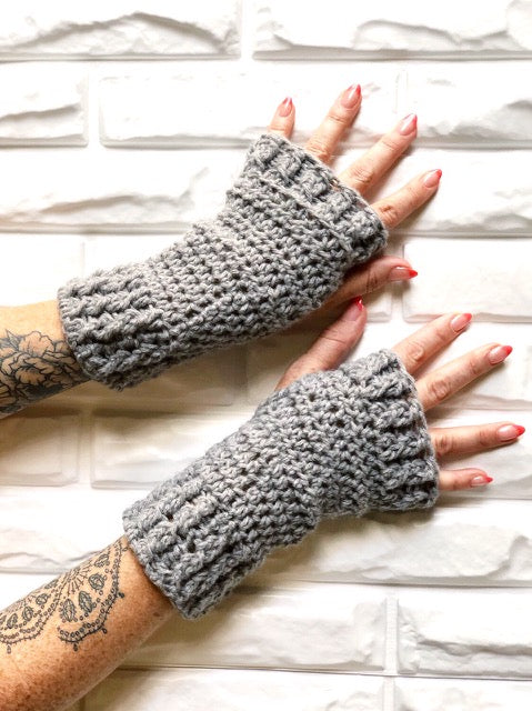 Go-To Gift Wrist Warmers Crochet Pattern