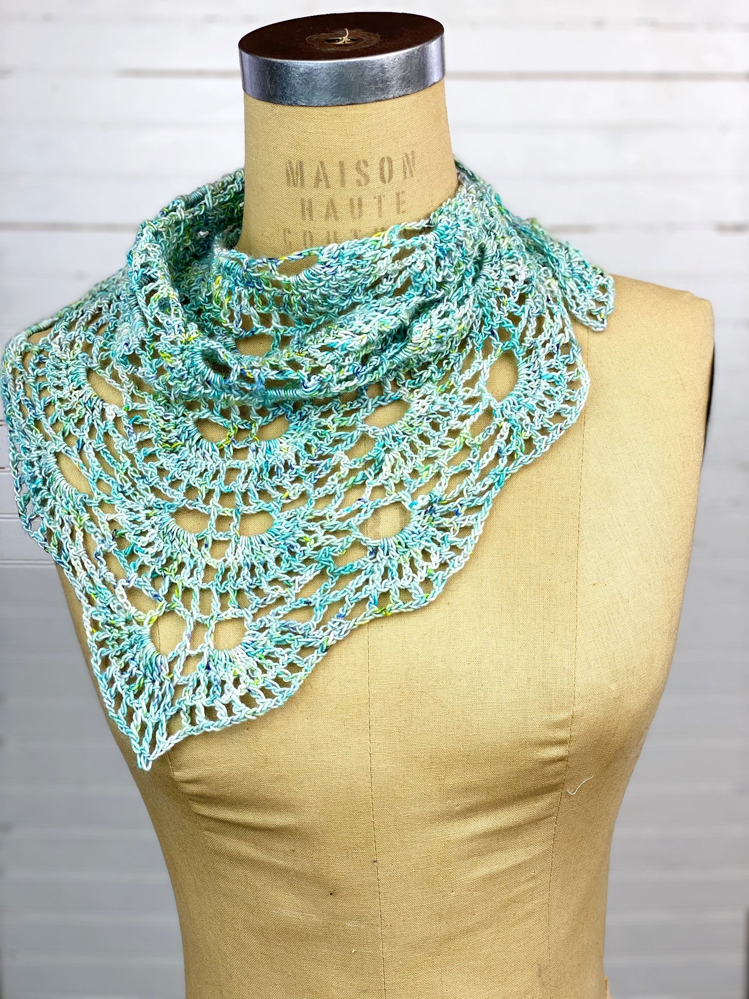 On Point Shawlette/Shawl Digital Crochet Pattern