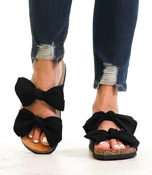 BOARDWALK BOW TIE SANDAL