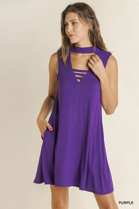 BLAKE SLEEVELESS VERTICAL BANDS V-NECK POCKET DRESS