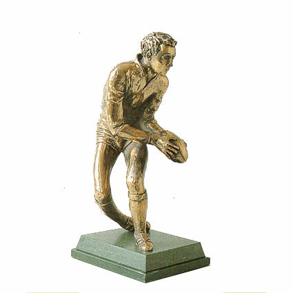 Rugby Player passing ball. Highest quality rugby trophy and award-S12