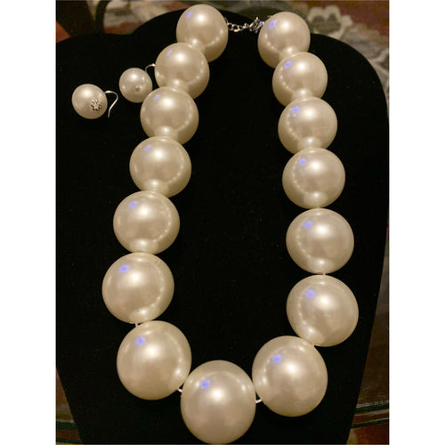 OverSized Pearls