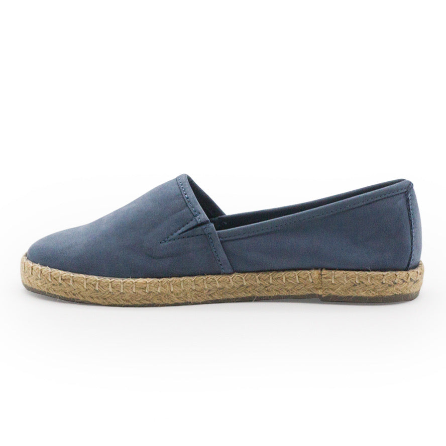 Dunes, blue closed toe shoes | Charleston Shoe Company