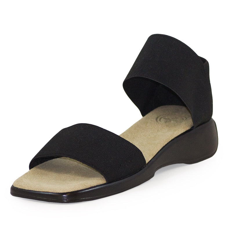 Black casual womens flat sandals | Charleston Shoe Company