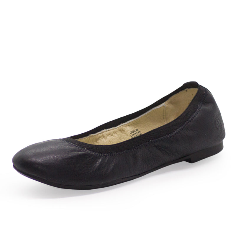 Gigi, black womens shoes, black flats, black ballet flats | Charleston Shoe Company