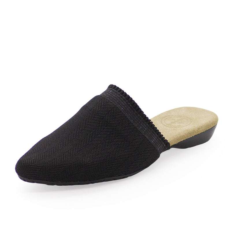 black shoes, black closed toe shoes | Charleston Shoe Company