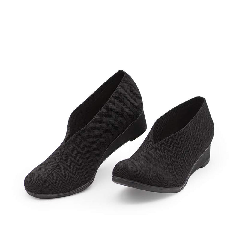 Black shoes, black close toed shoes | Charleston Shoe Comany