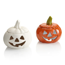 "Load image into Gallery viewer, Small Jack-O-Lantern Pumpkin will be sure to please adults and kids alike. 5.5"" X 5.5"""
