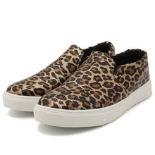 Load image into Gallery viewer, Leopard Print Flat Shoes