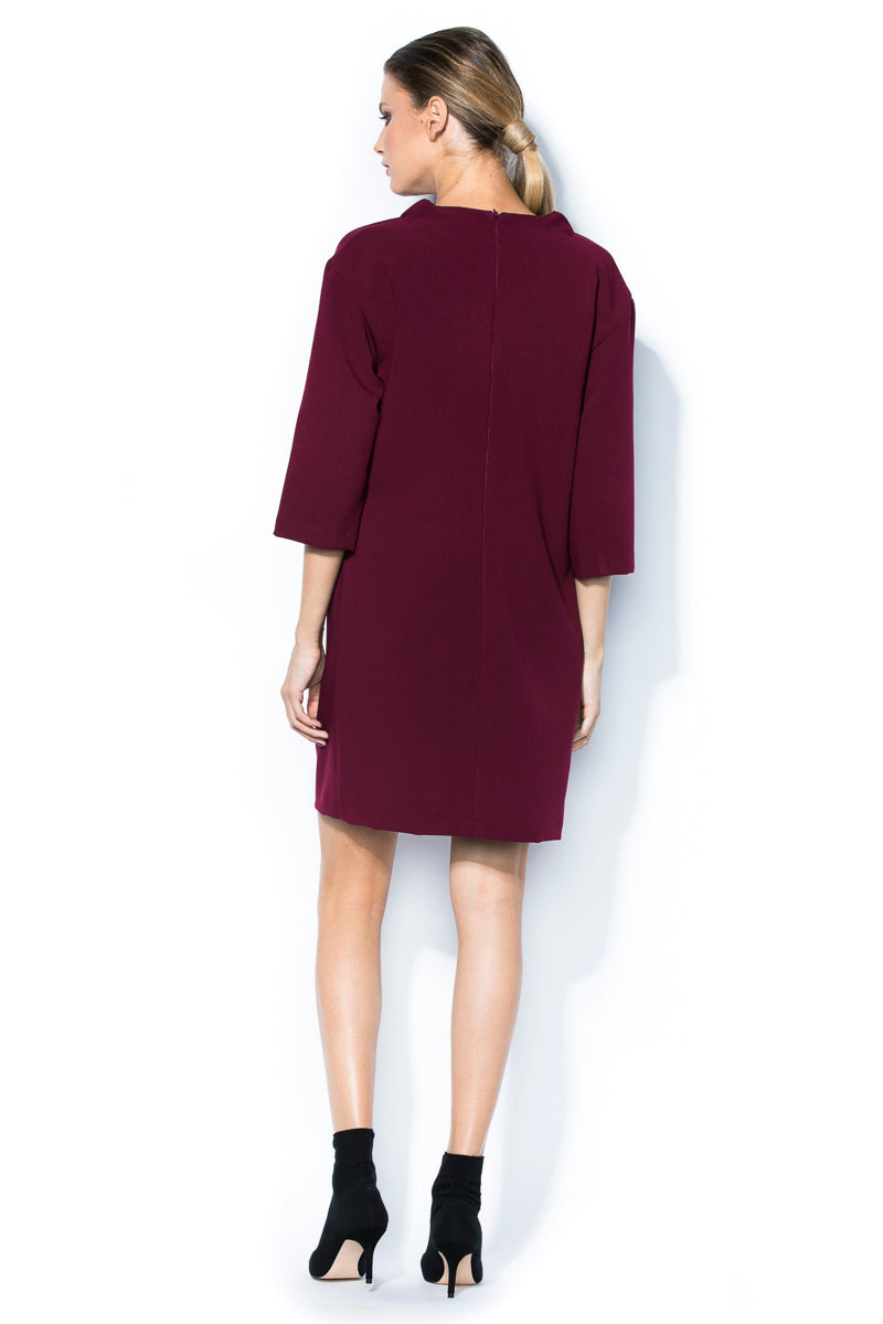 Straight dress with  rouched collar