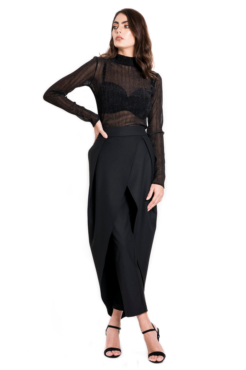 Wrap-around black trousers with back zipper