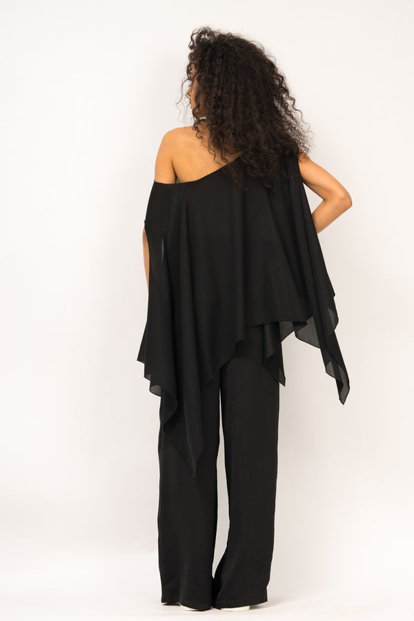 Asymmetrical angles blouse with fallen shoulders