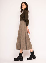 Calf length flared skirt with side pockets