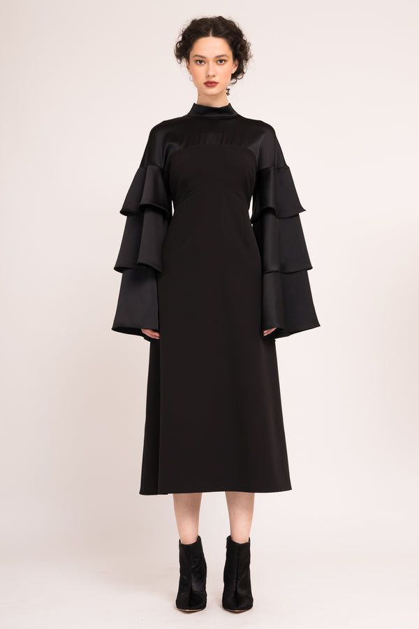 Calf length dress with ruffled sleeves