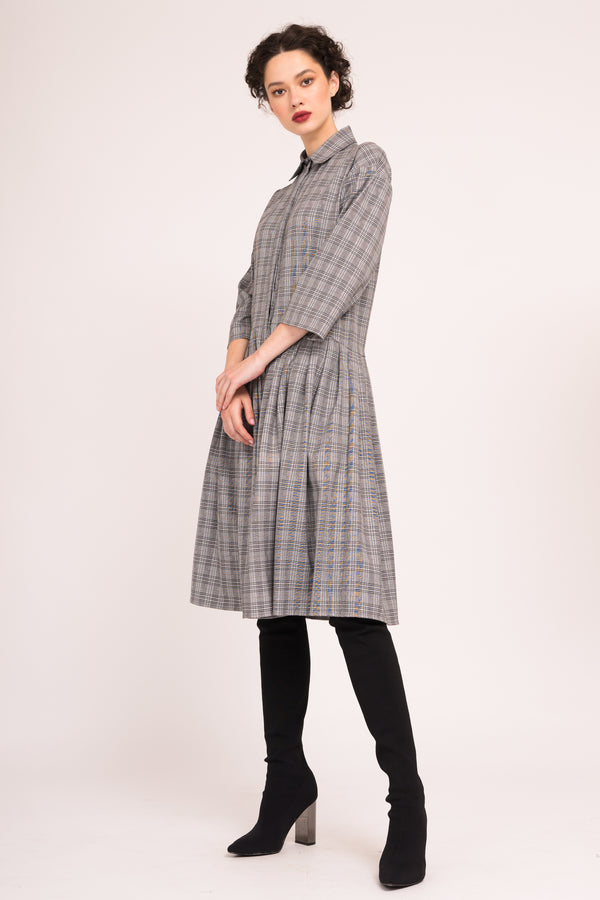 Flared shirt dress with 3/4 sleeves