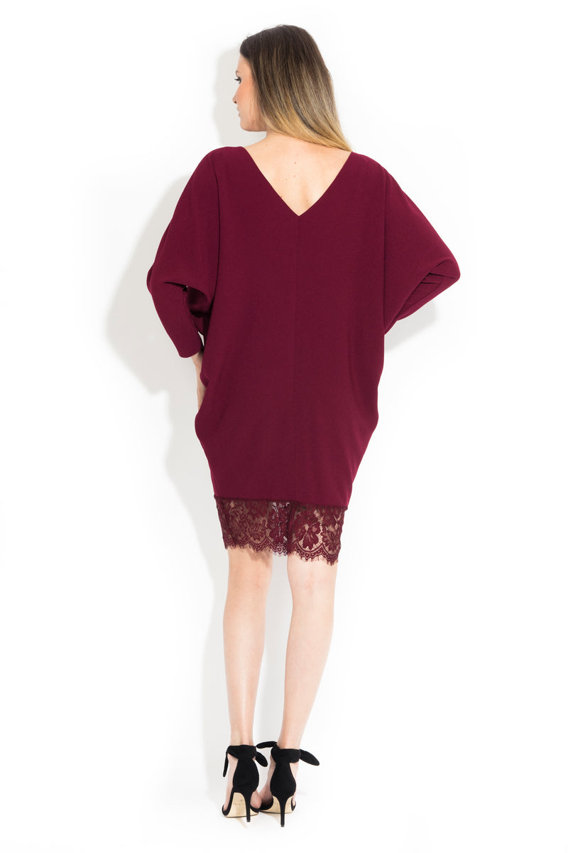 Casual dress with lace hem