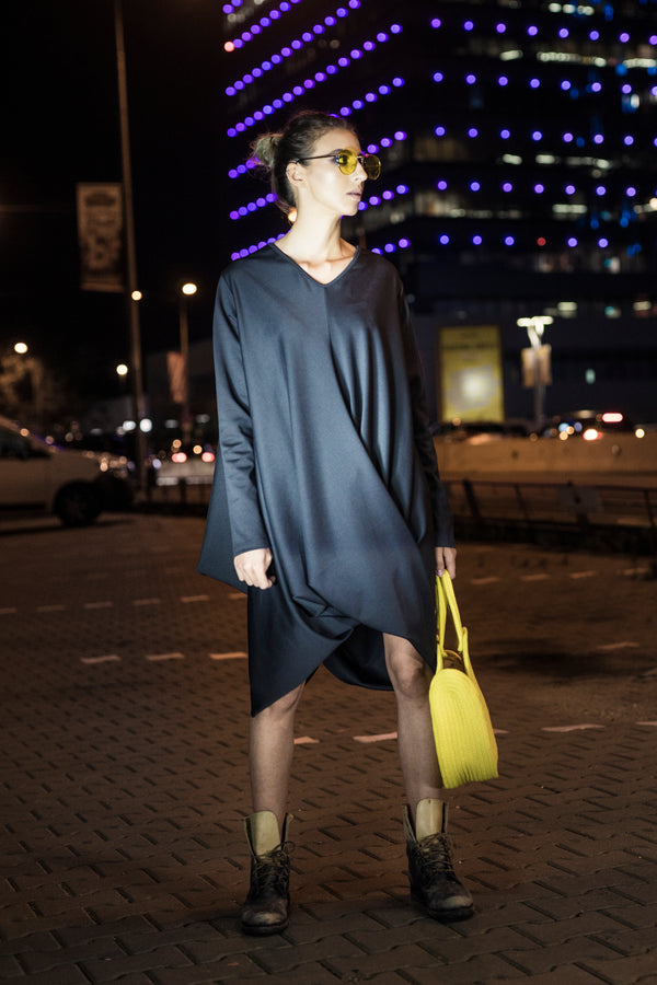 Casual oversized dress with knot detail