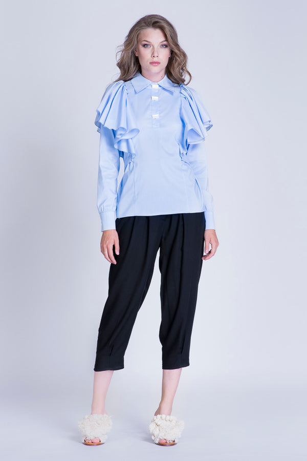 Cotton shirt with ruffles and buttons