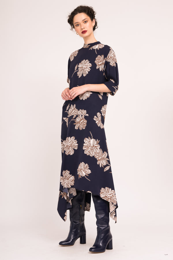 Printed patch dress with asymmetrical hemline and 3/4 sleeves