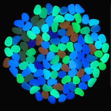 Load image into Gallery viewer, Glow in the Dark Garden Stones (50 Pieces)