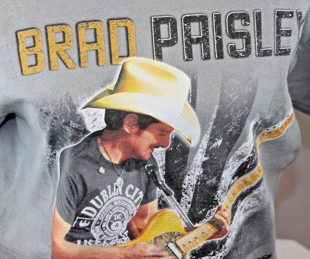 Brad Paisley Beat This Winter 2014 Tour Tee T Shirt, Size Medium - Fazoom