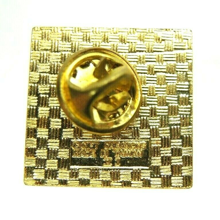Oregon Sailboats Gold Tone Souvenir Lapel Pin - Fazoom