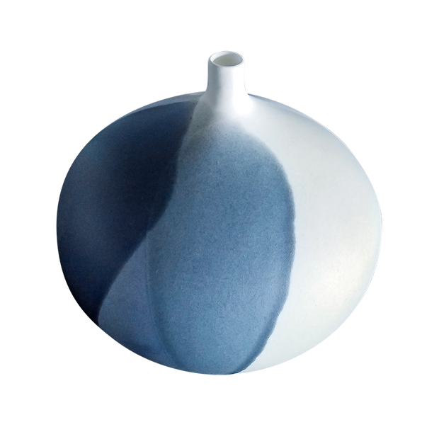 front view of navy, light blue, and white mystic horizon fluted vessel with porcelain