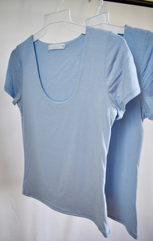 Zena: Basic Short Sleeve U-neck- Deep Blush/LT Blue