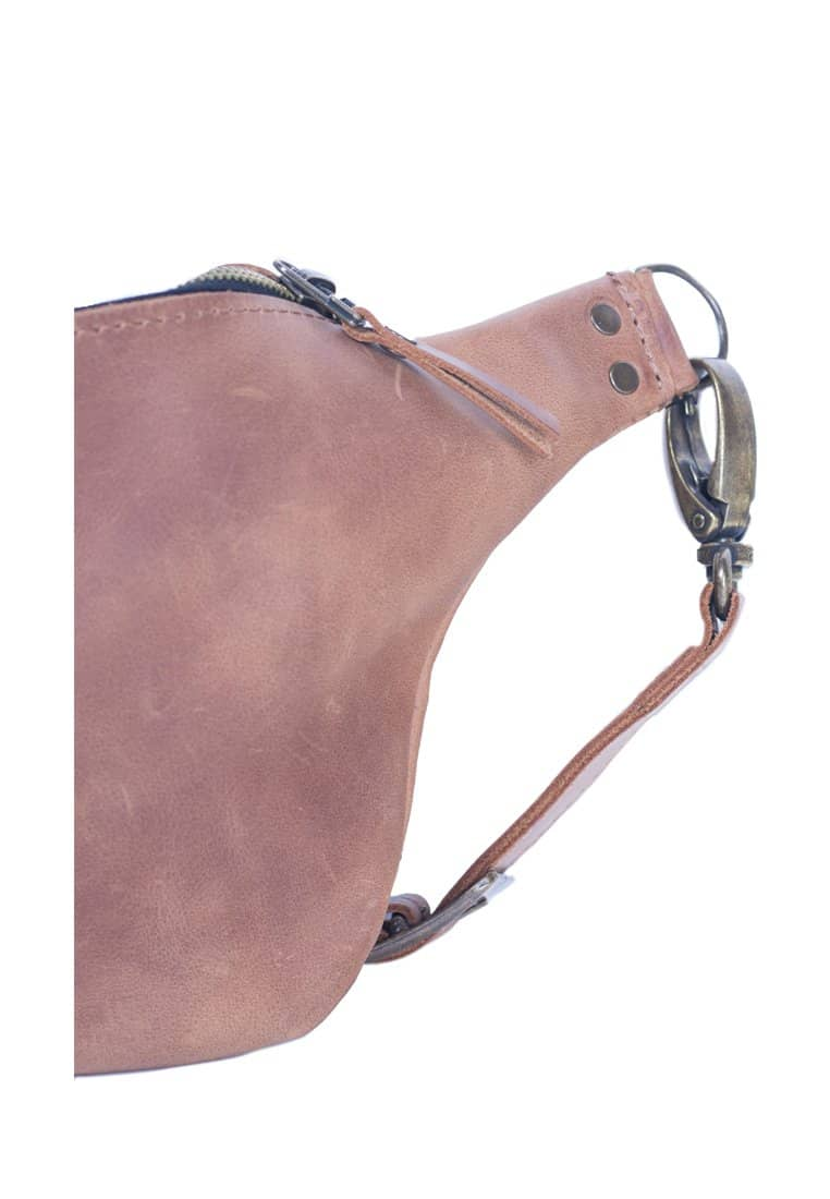 Elegant And Comfortable Leather Fanny Pack