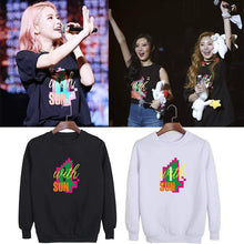 Load image into Gallery viewer, MAMAMOO Concert Sweatshirt