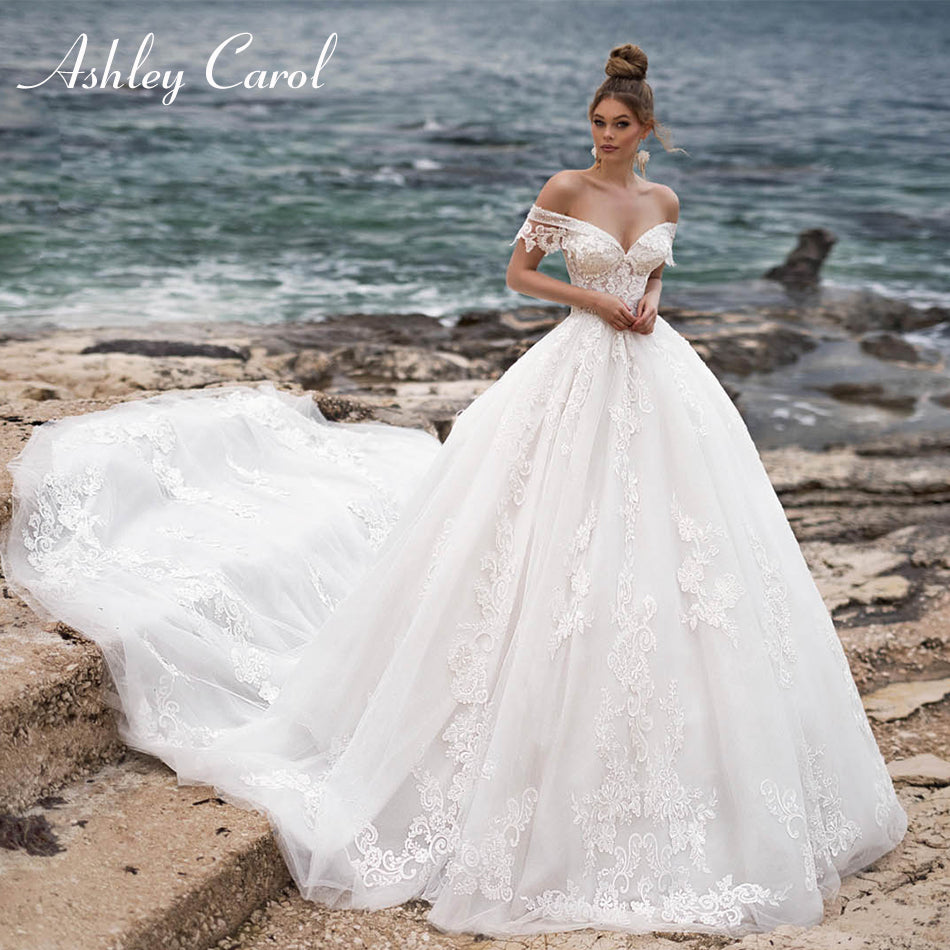 Ashley Carol Sexy Sweetheart Cap Sleeve Cathedral Train Backless Wedding Dress 2019 Lace Bride Dress Appliques Wedding Gowns