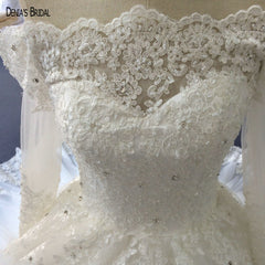 Real Image Elegant Off the Shoulder Appliqued Lace Half Sleeve Puffy Ball Gown Wedding Dresses
