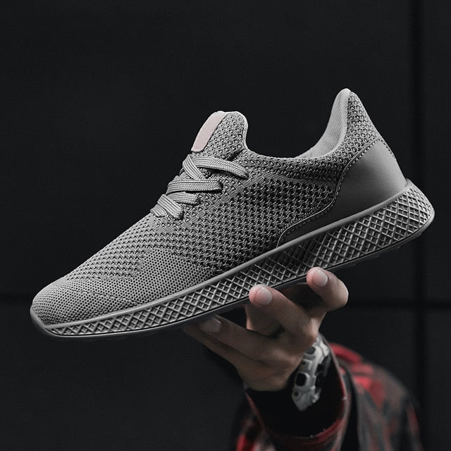 2018 Sneakers for Men New Solid Color Black Red Gray Lightweight Sport Shoes Men Soft Running Shoes Male Gym Plus Size 11 12 13