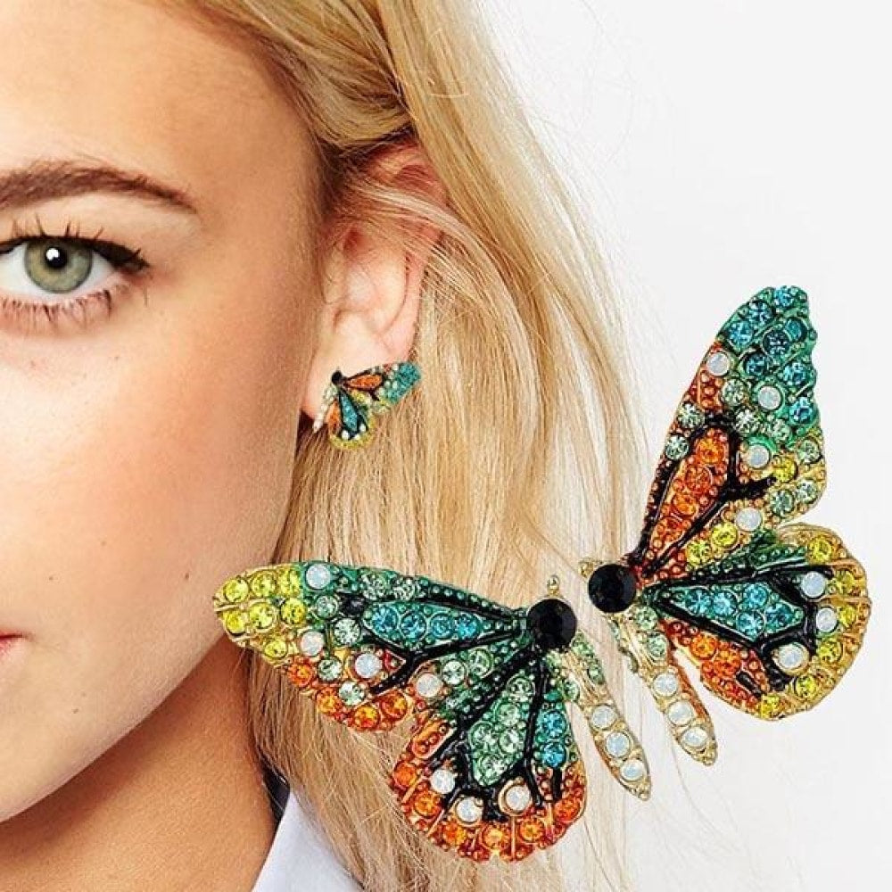 Fashion personality short butterfly earring