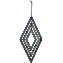 "26"" Metal 3D Diamond Hanger"