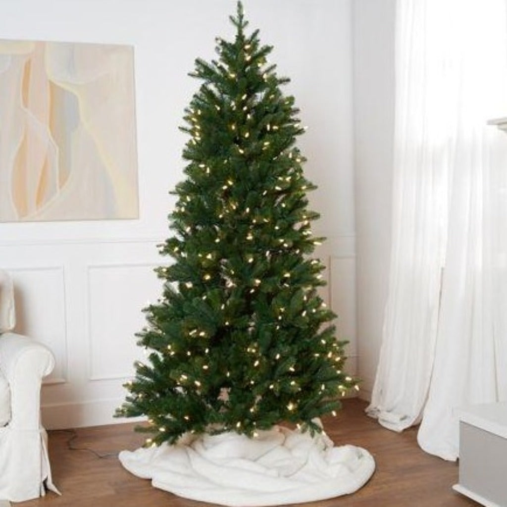 Santa's Best 6.5 Foot Grand Spruce Tree With Faceted Bulbs