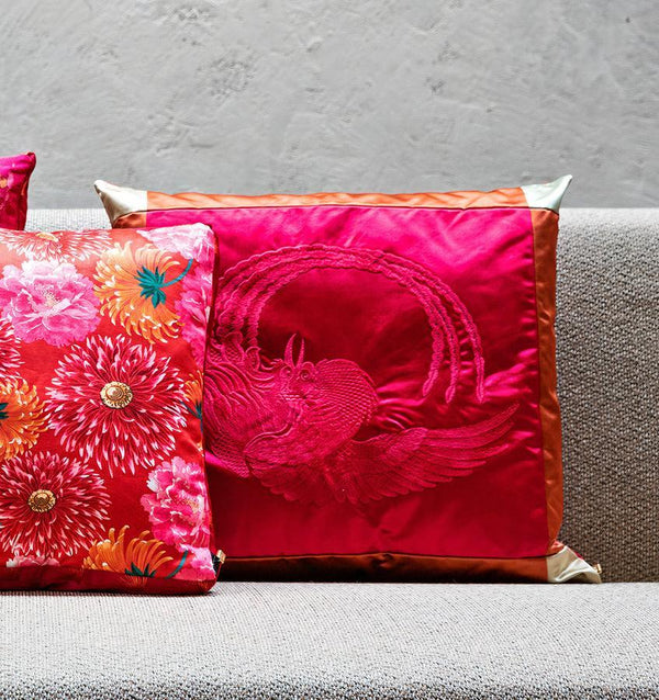 The K3 for SFERRA Phoenix Cushion features a tone-on-tone phoenix bird embroidered on satin fabric.
