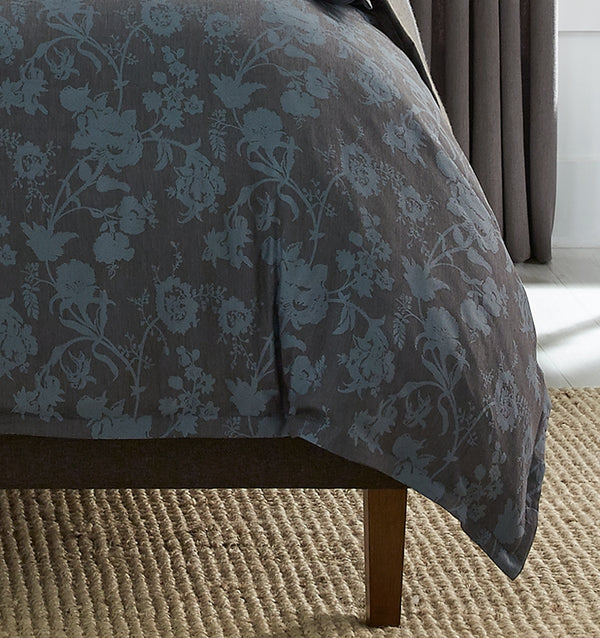 Andria Duvet Cover features a uniquely luxurious blend of wool and fine cotton.
