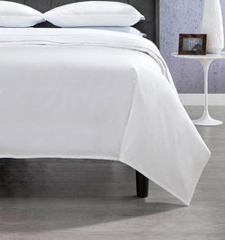 Corto Celeste Duvet Cover is a contemporary update to Celeste, SFERRA's most popular percale sheeting.