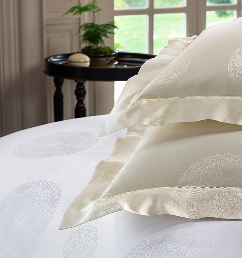 SFERRA Giza 45 Medallion Fitted Sheet