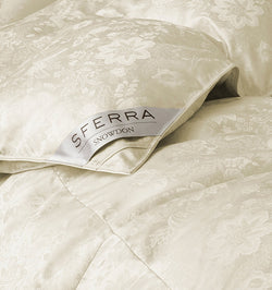 SFERRA Snowdon duvet and pillows are filled with our highest fill-power down yet and offer unparalleled thermal insulation.