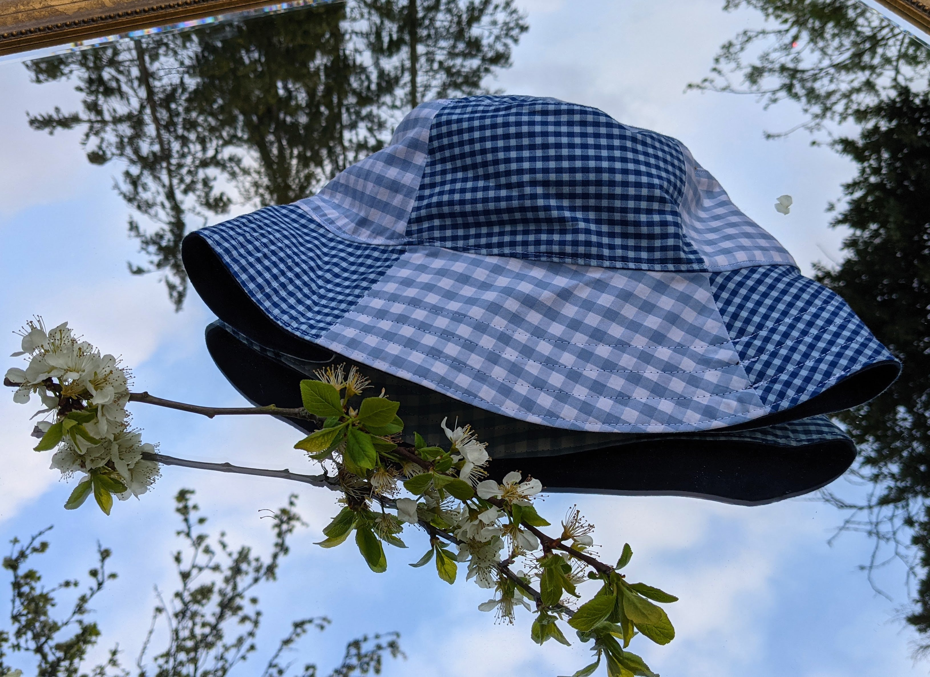 Blue gingham bucket hat - Slow Frills