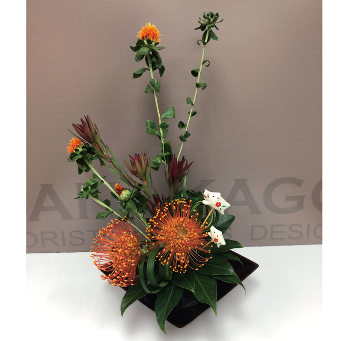 Seasonal table decoration F